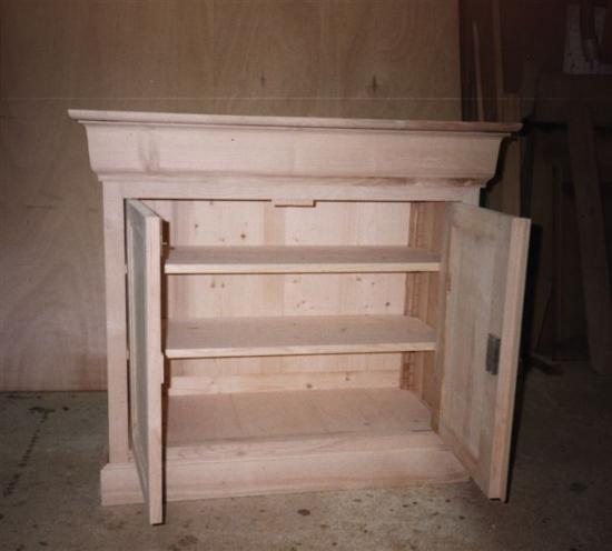 meuble en frêne avec faux tiroir